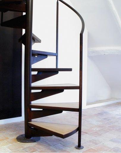 escalier paris acier rouille. Black Bedroom Furniture Sets. Home Design Ideas