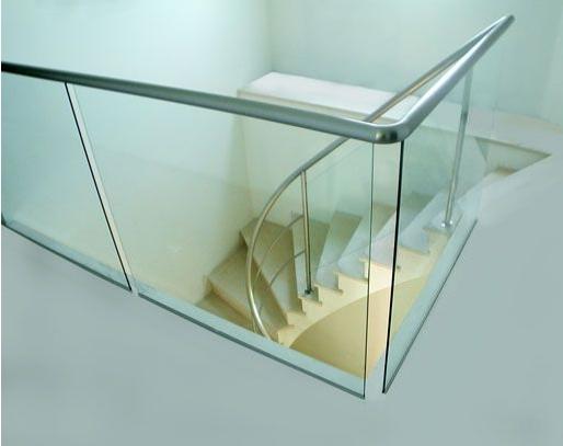 creation design garde corps verre acier. Black Bedroom Furniture Sets. Home Design Ideas